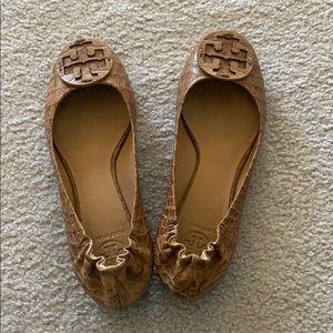Tory Burch Reva Amazon Croc Print (Sand) Ballet